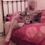 Olivia, travesti mature cherche jeunes hommes bisexuels